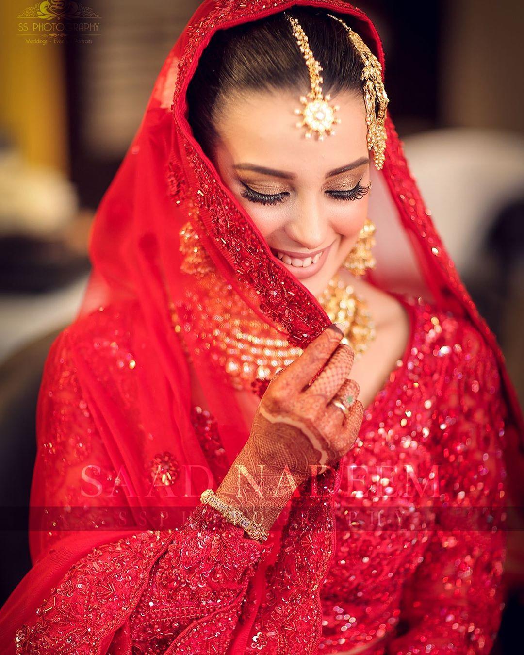 Beautiful HD Pictures of Iqra Aziz and Yasir Hussain Wedding