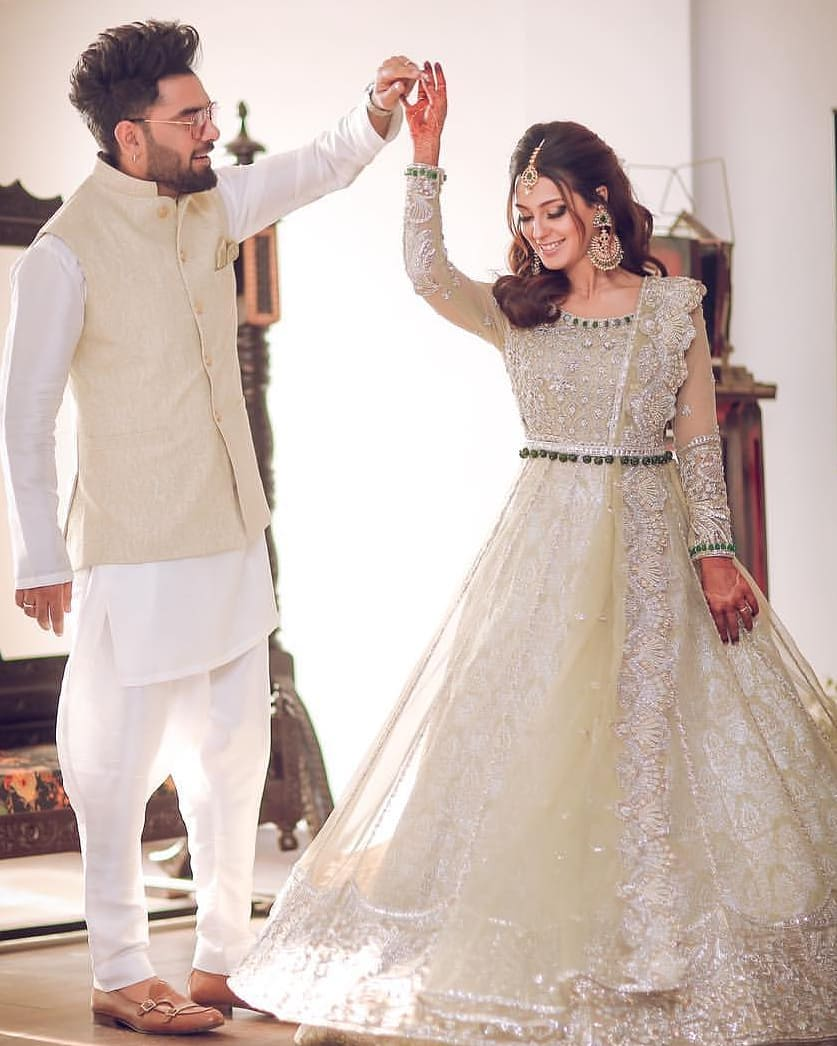 Iqra Aziz and Yasir Hussain Walima Pictures and Videos