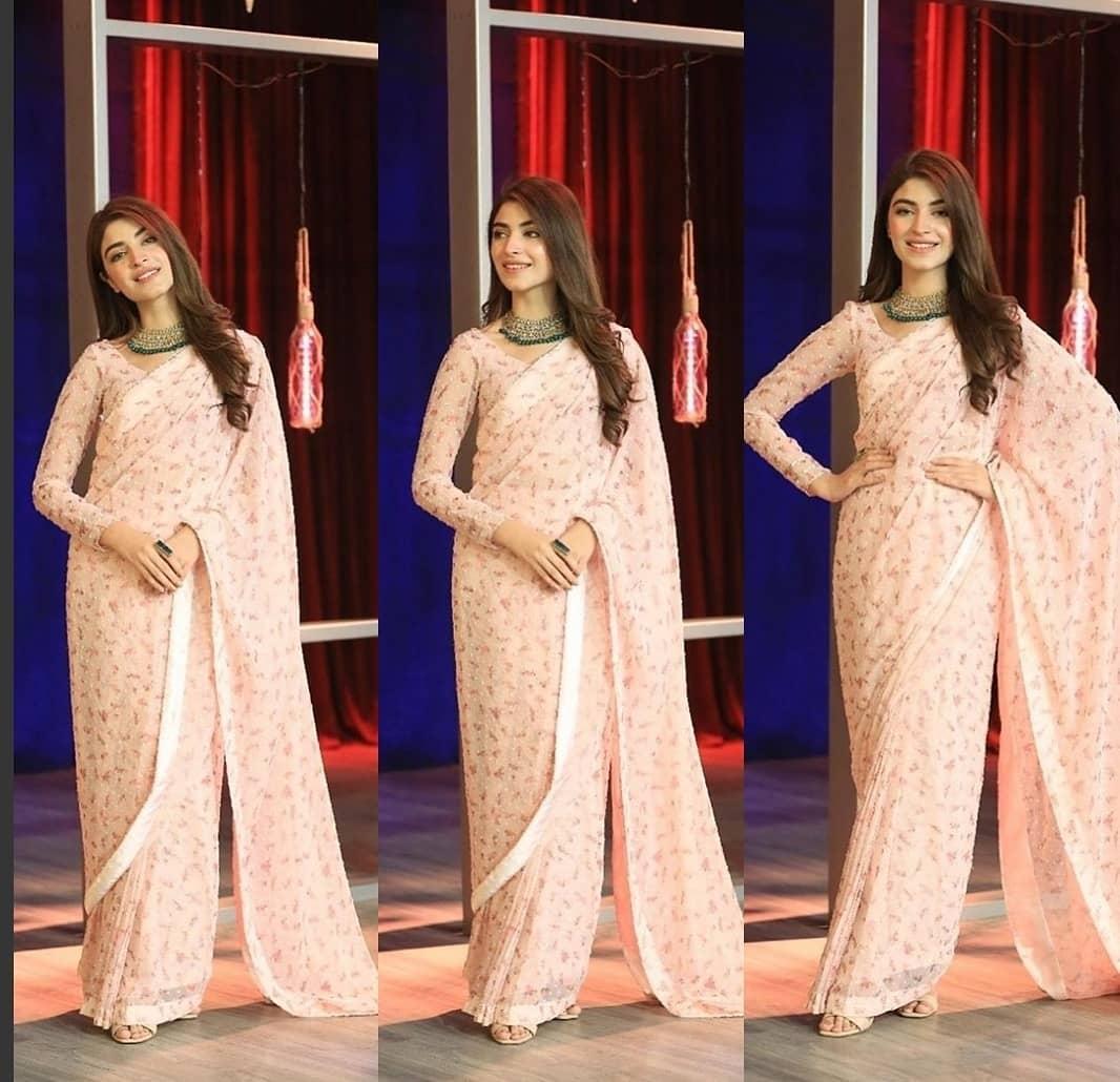 Kinza Hashmi looks stunning in this Beautiful Saree on the set of Bol Nights with Ahsan Khan