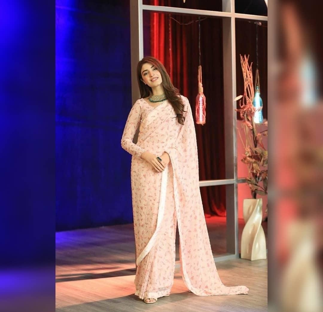 Kinza Hashmi in saree