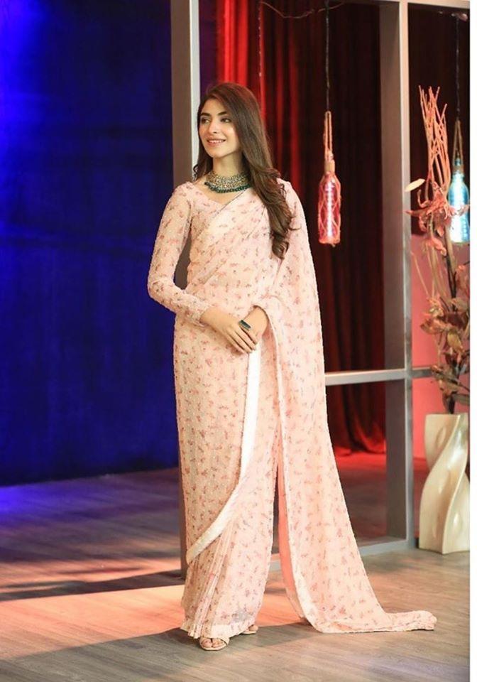 Kinza Hashmi in Bol Night with Ahsan Khan