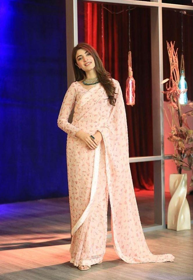Kinza Hashmi peach saree