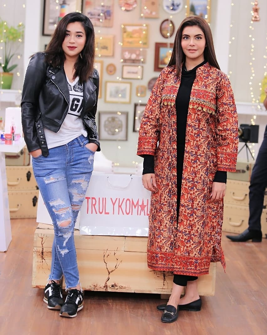 Komal Rizvi Beautiful Clicks from Nadia Yasir Morning Show