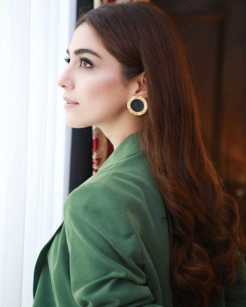Maya Ali Has Won Best Female Debut Award For Teefa In Trouble
