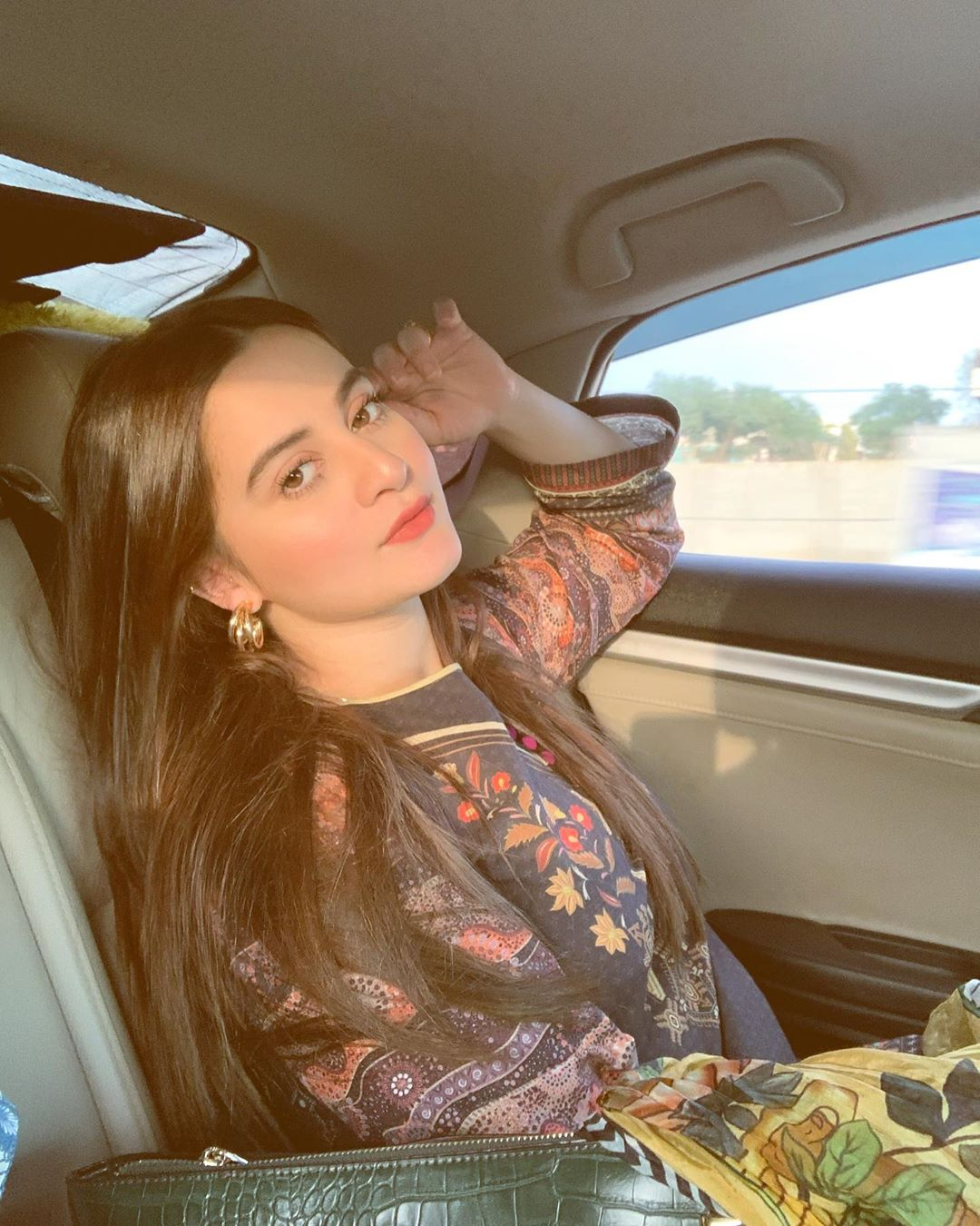 Latest Beautiful Clicks of Actress Aiman Khan
