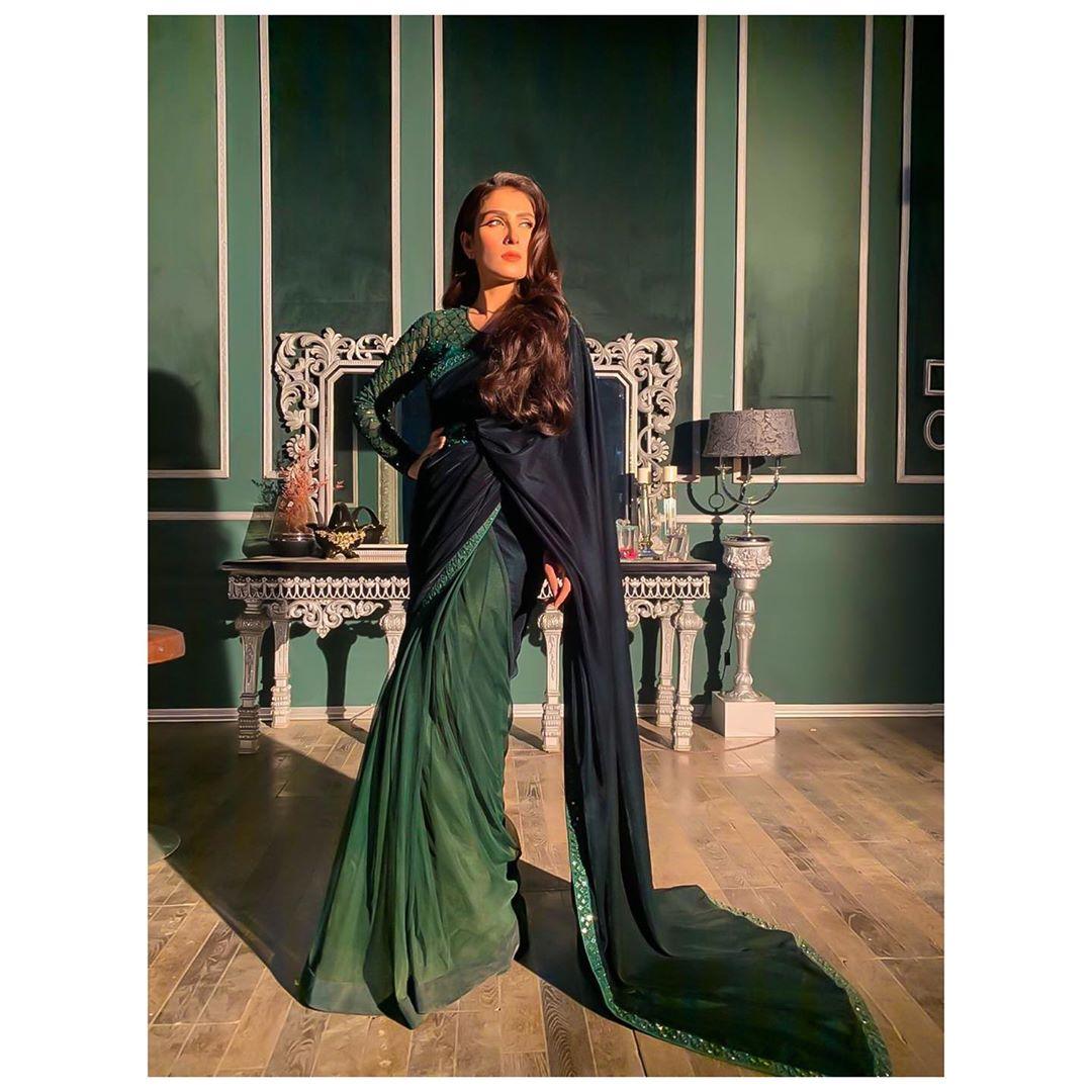 Talented Actress Ayeza Khan's Latest Beautiful Clicks