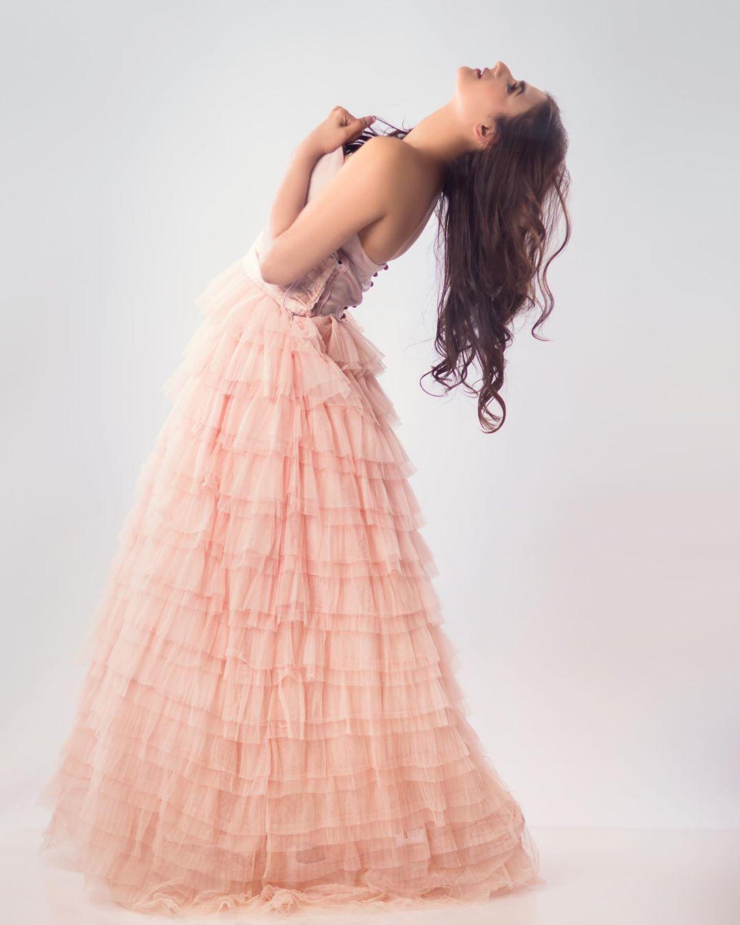 Latest Photo Shoot of Beautiful Actress Hira Mani