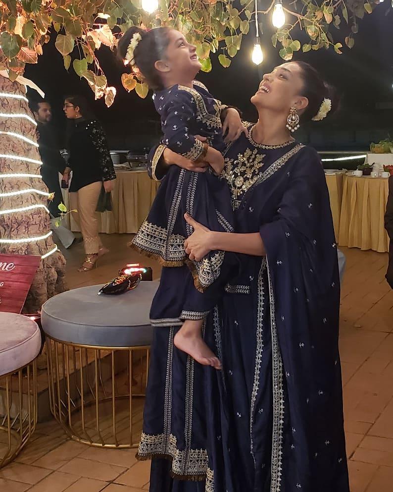 Beautiful Clicks of Sanam Jung with her Daughter Alaya