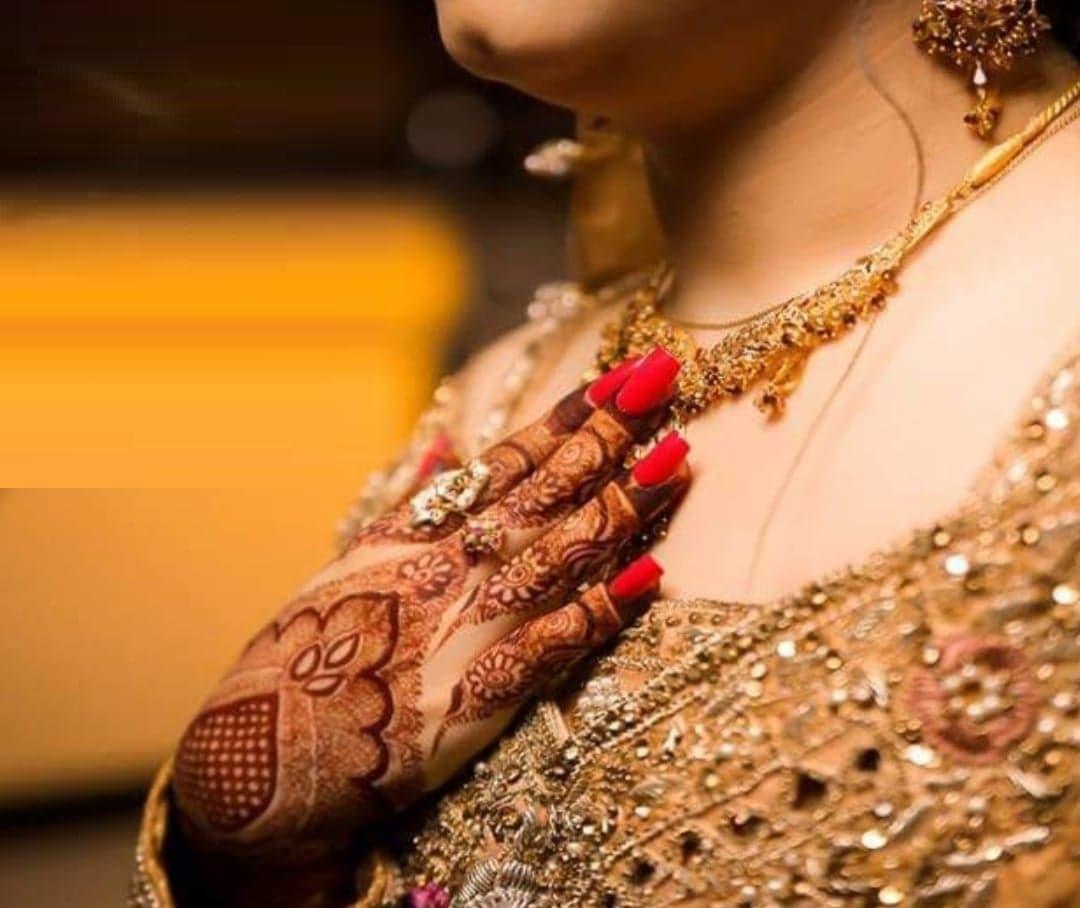 Sara Razi Khan 3