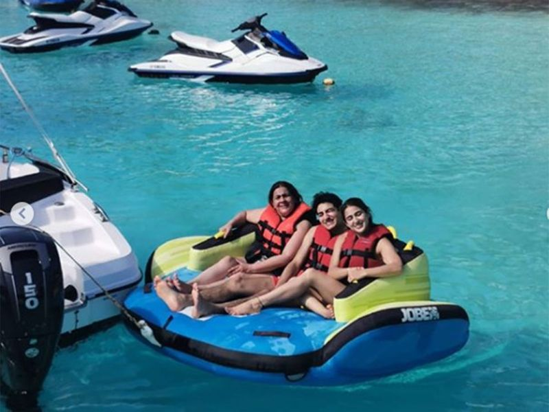 Sara and Ibrahim along with their mother Amrita Singh are on a vacation in Maldives and they welcomed 2020 with a splash.  16f7522b0c8 original ratio