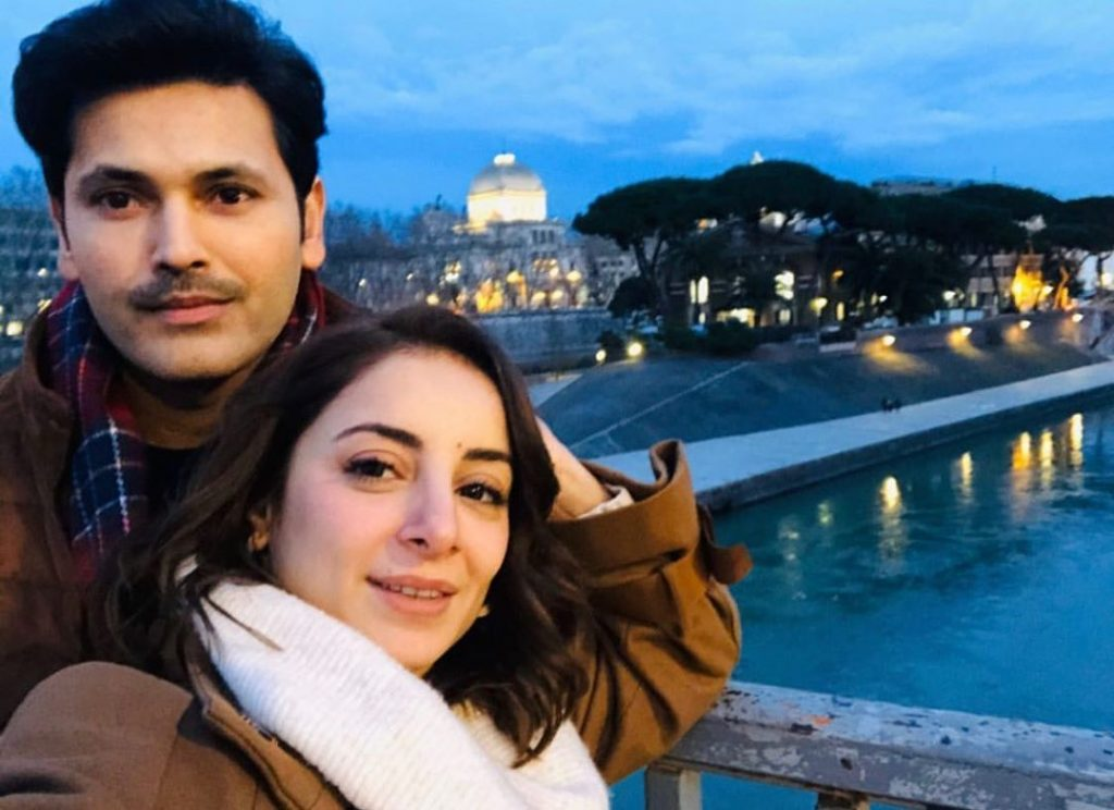 Sarwat Gillani Shares Her beautiful Paper Sketch From Rome 18