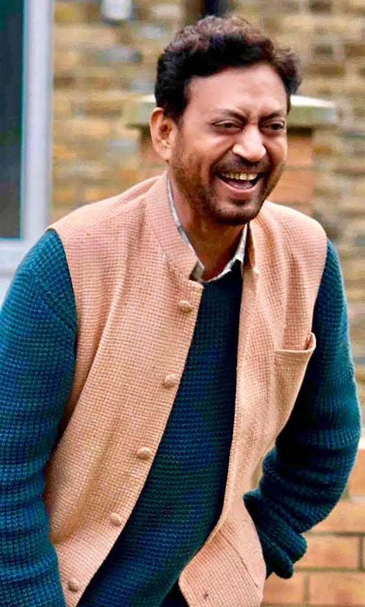 angrezi medium a happy healthy irrfan khan in this first look from film will make your day 0001