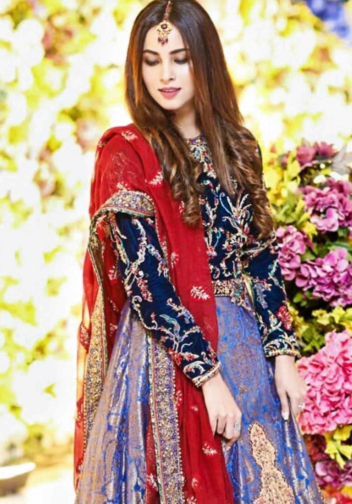 Top 10 Festive Dresses Worn By Pakistani Actresses