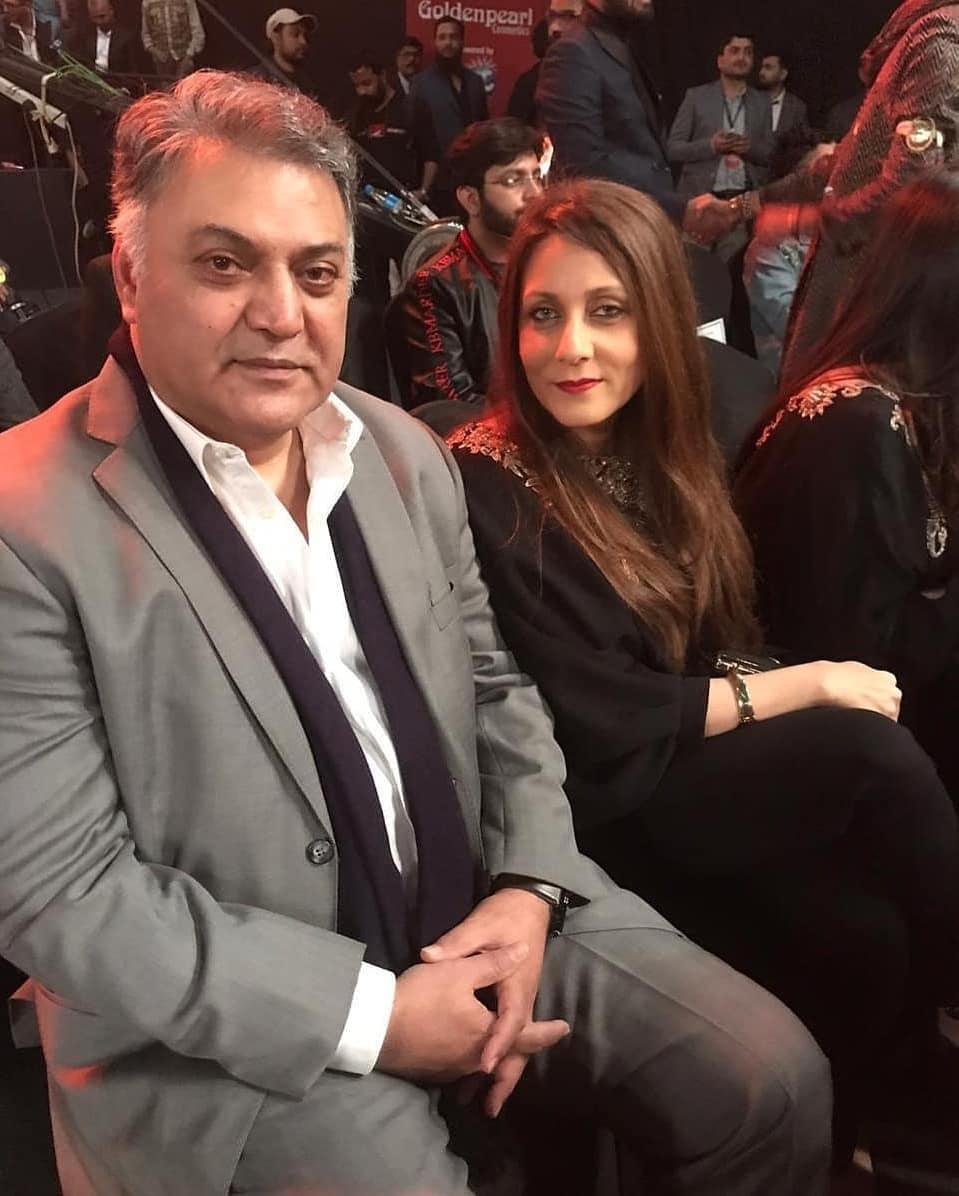 Beautiful Couple Ahad Raza Mir and Sajal Aly at Hum Style Awards 2020