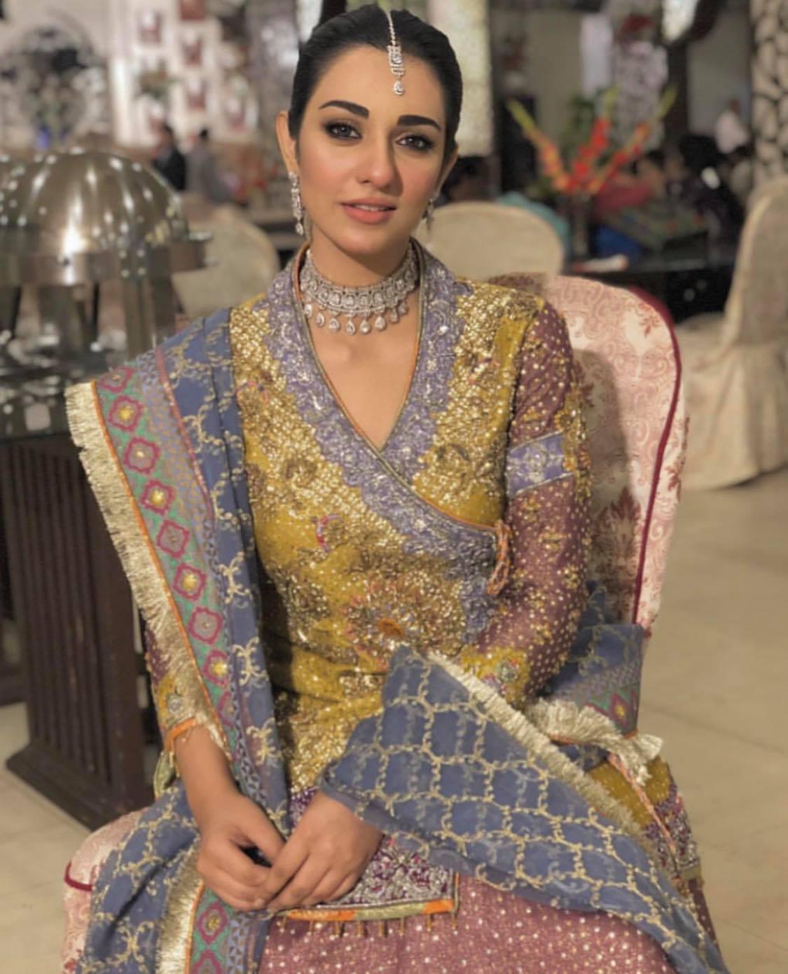 sarah khan1 1