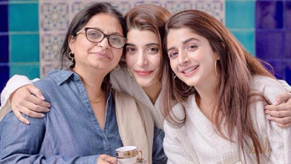 Pakistani Actresses With Their Beautiful Mothers