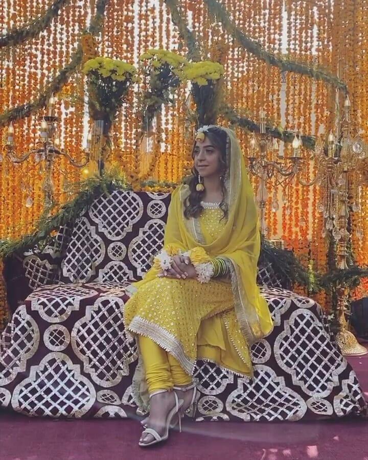 Afnan Qureshi Beautiful Mayoun Pictures 1