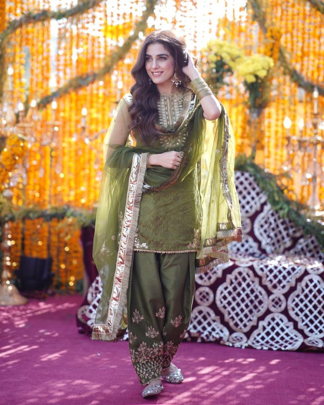 Afnan Qureshi Beautiful Mayoun Pictures 9