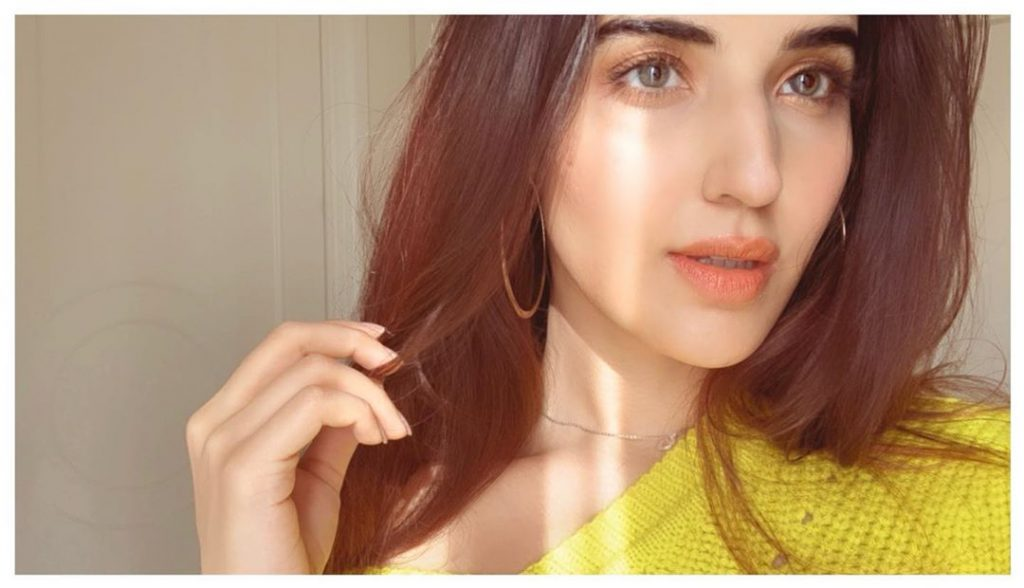 Hareem Farooq Reveals Secret Behind Flawless Skin 4