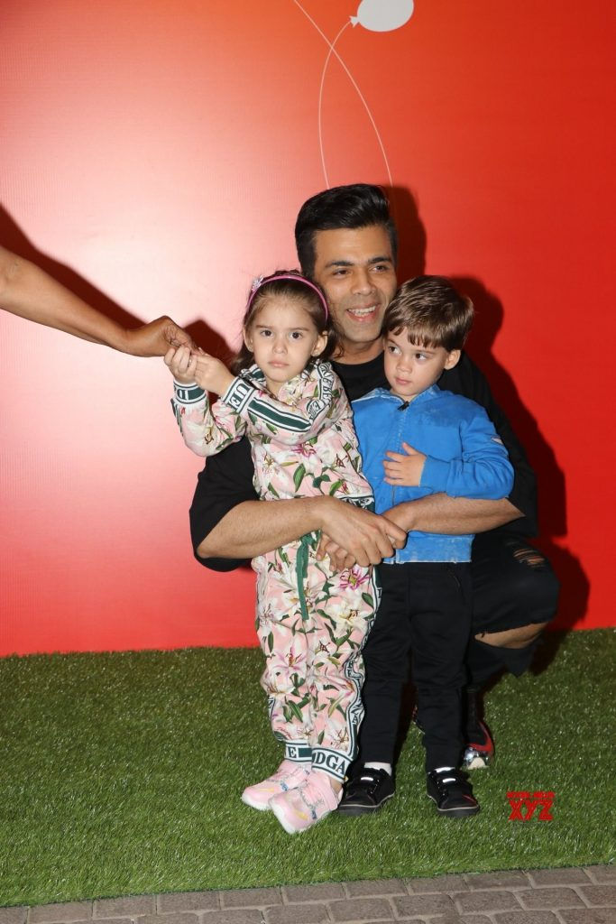 Karan Johar Rohit sharma Tusshar Kapoor and Sameera Reddy With Their Kids At The Premier Night Of Jio Wonderland Gallery 1