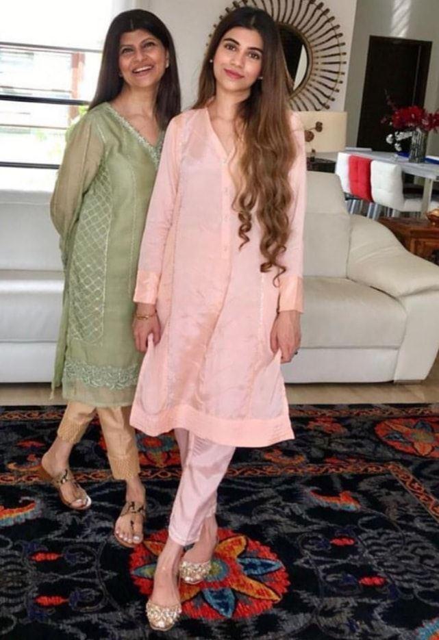 Rubina Ashraf Family 6