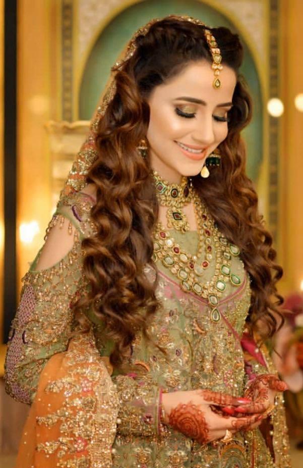 Saniya Shamshad mehndi 1