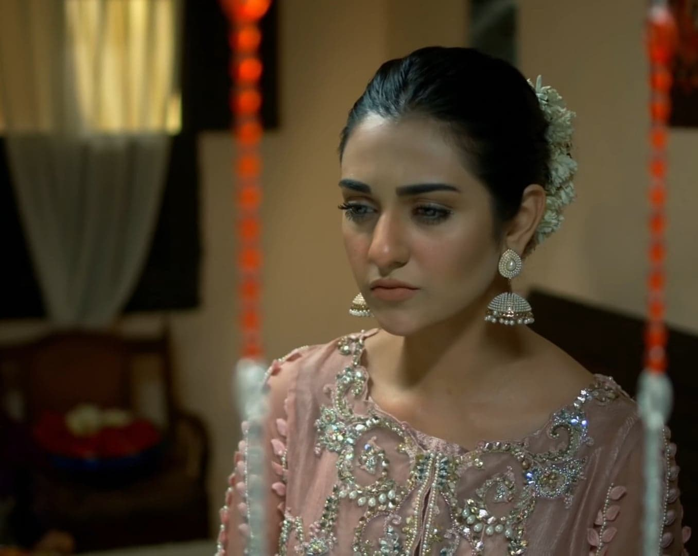 Sarah Khan 36