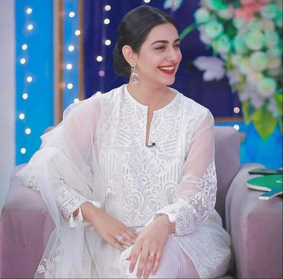 Sarah Khan 51