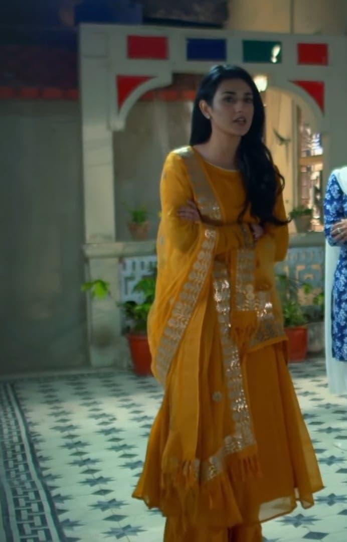 Sarah Khan 7