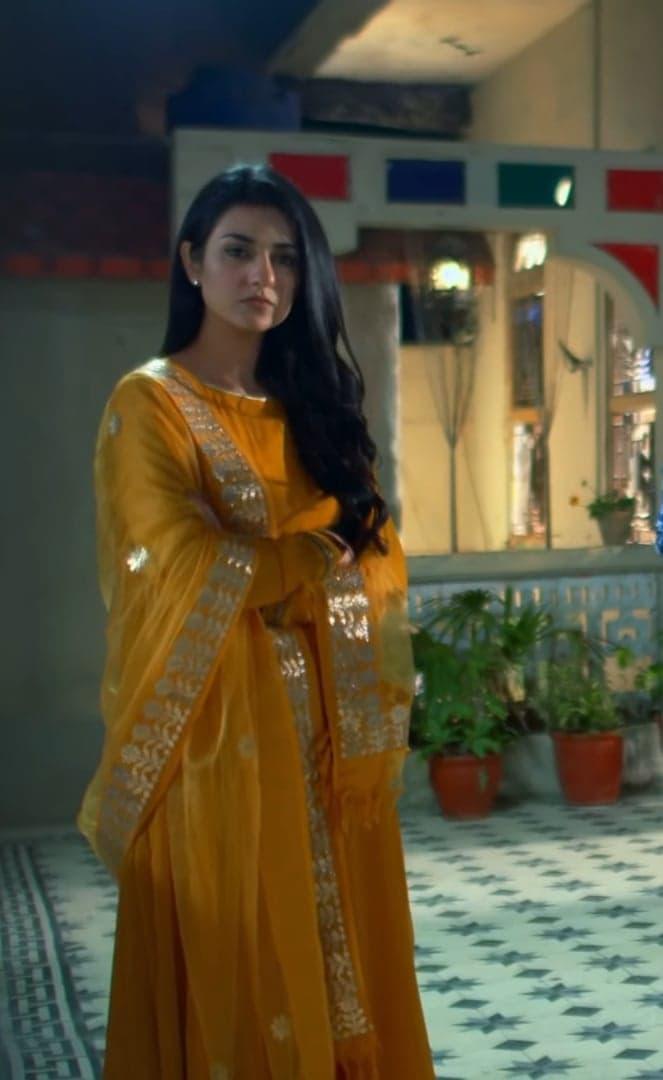 Sarah Khan 9