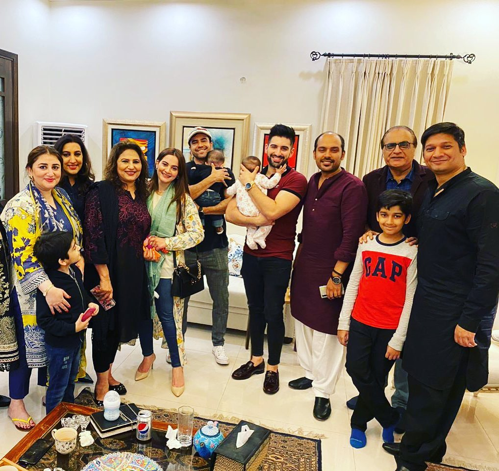 Junaid Khan and Muneeb Butt with their Families at a Dinner