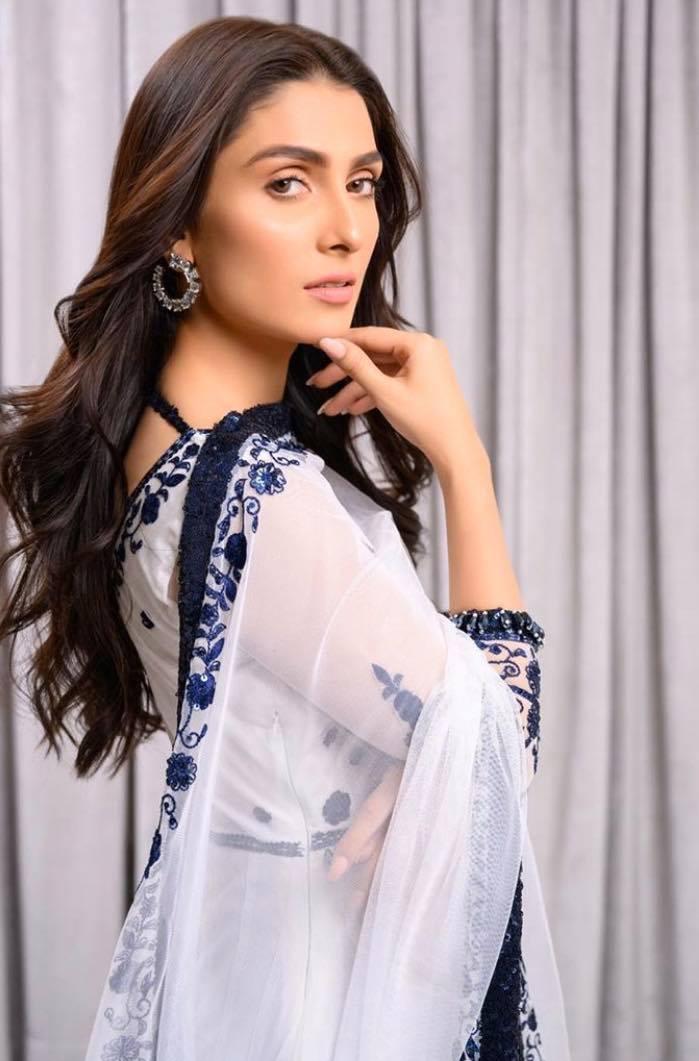 ayeza khan12