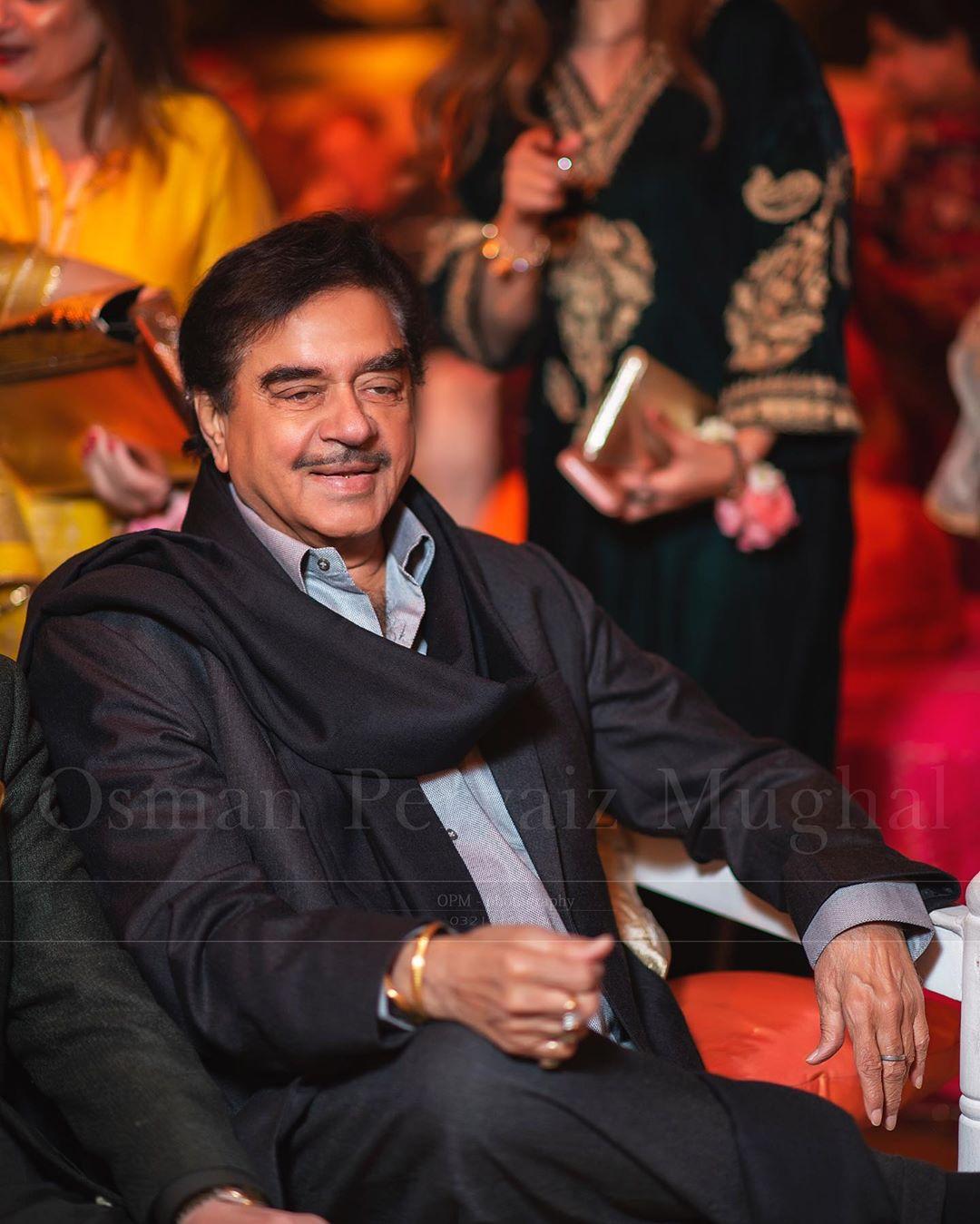 indian star at pakistani wedding 10