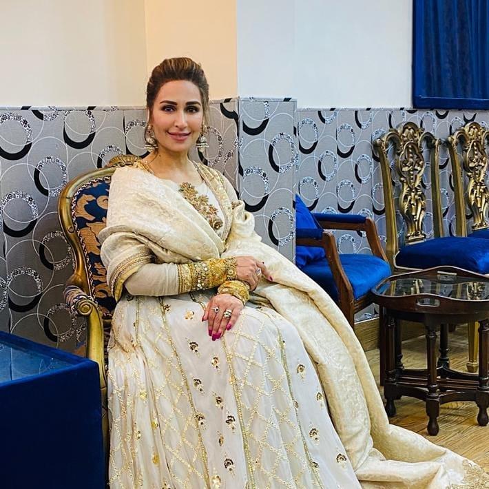 indian star at pakistani wedding 5