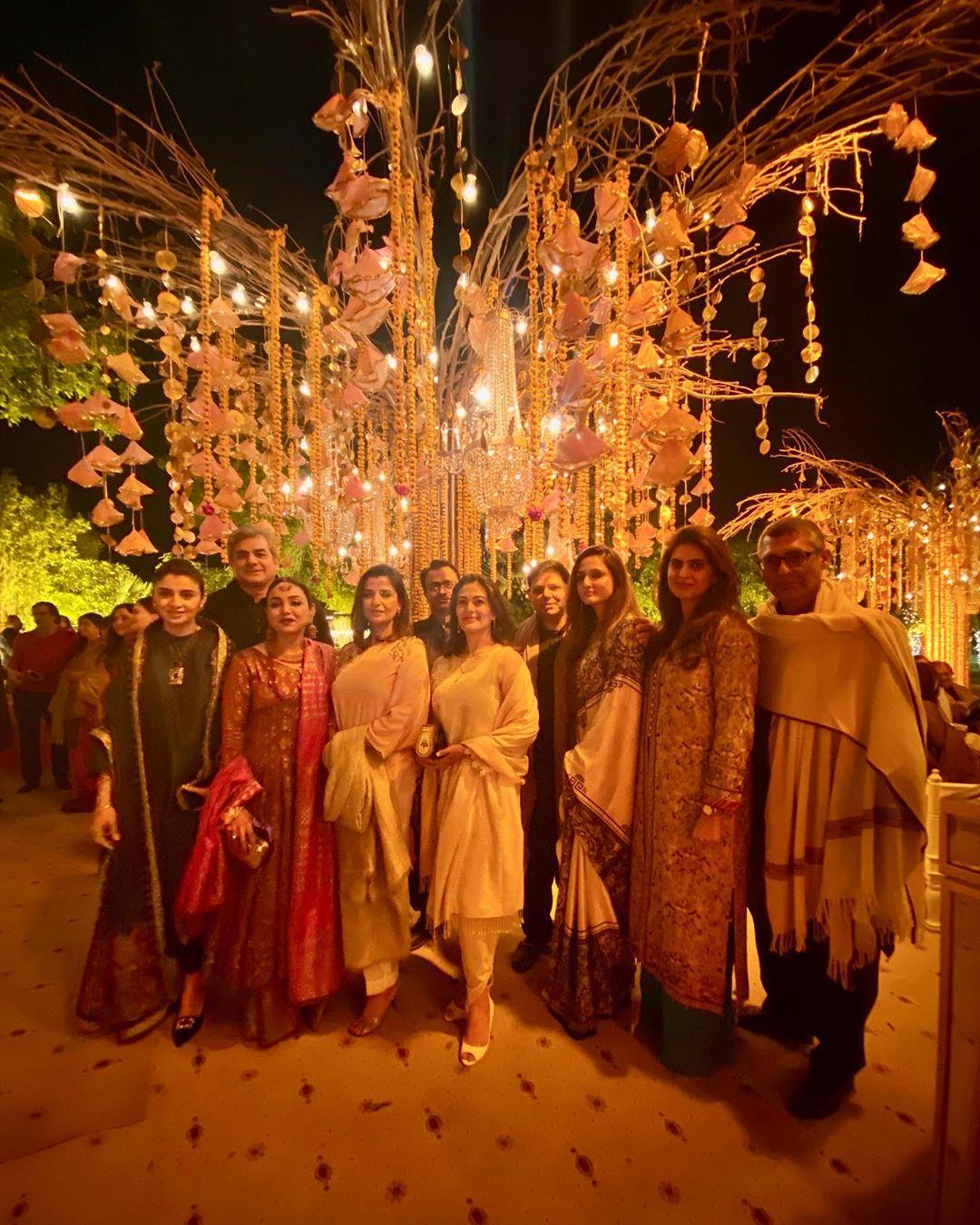 indian star at pakistani wedding 8
