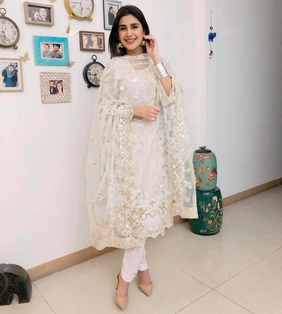 Pictures From Kubra Khan's Birthday Celebration