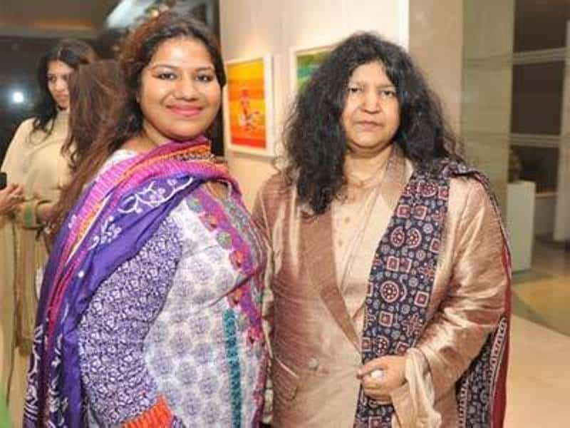 Abida Parveen With Her Daughter Mariam