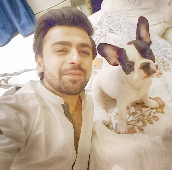 Farhan Saeed Poses With His New Pet Friend