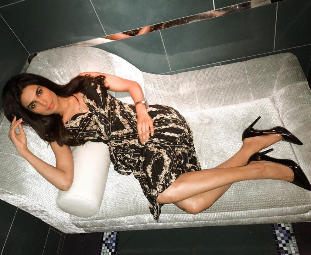 Glamorous Pictures of Amna Ilyas – Hard to Handle