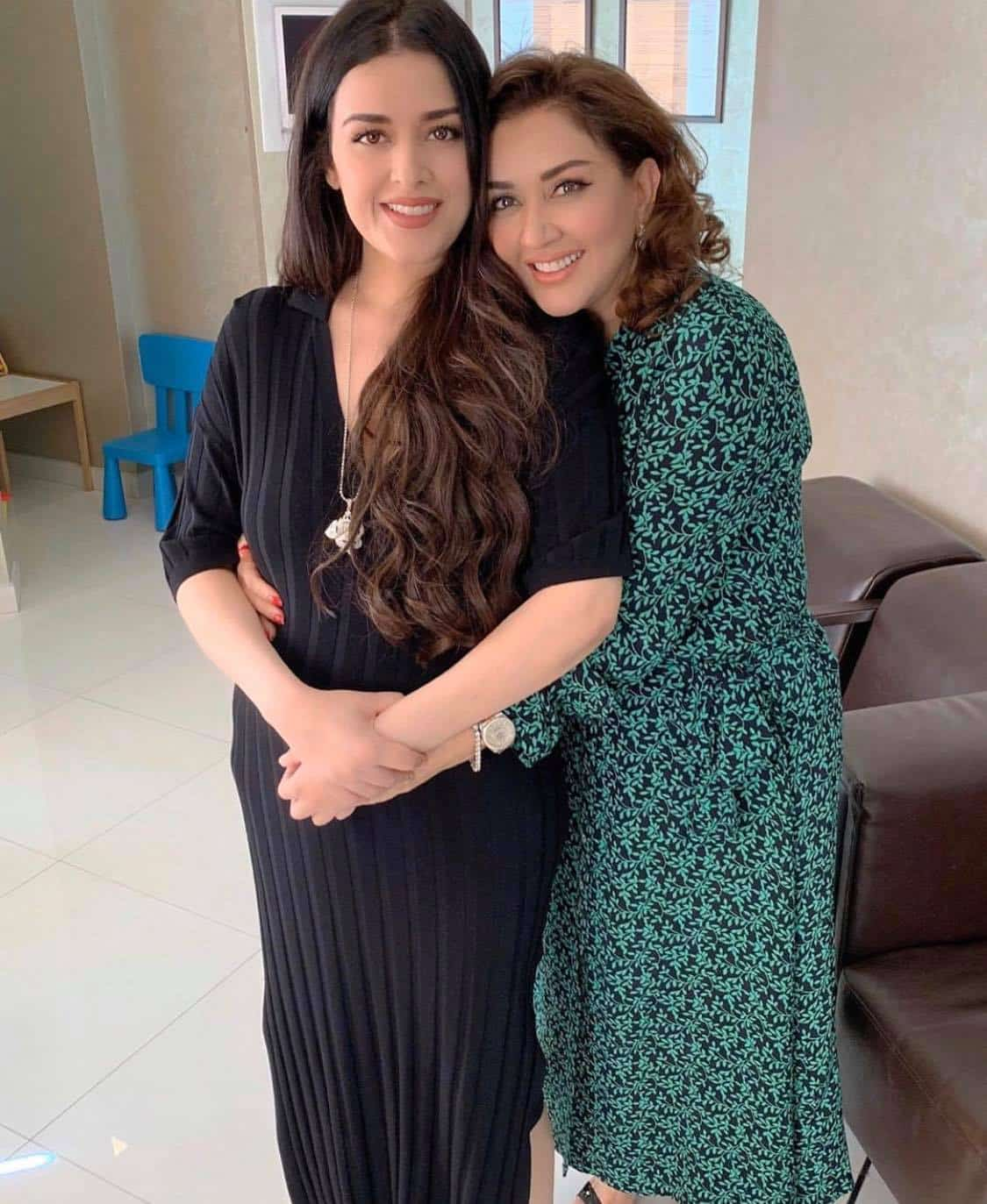 Young-Looking Mothers of Pakistani Celebrities