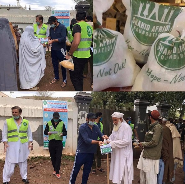 Pakistani Celebrities Doing Charity Work Right Now
