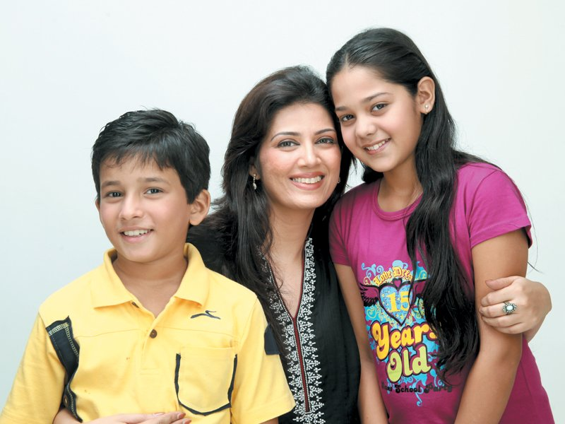 All About the Talented Family of Savera Nadeem