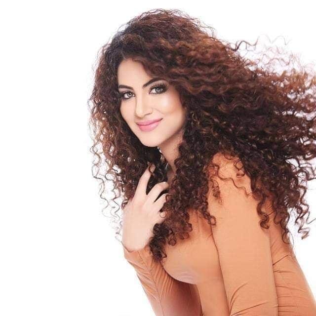 Annie Khalid 10