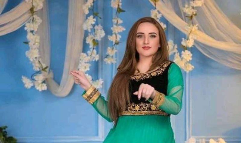 Tik Toker Hareem Shah To Make Her Acting Debut