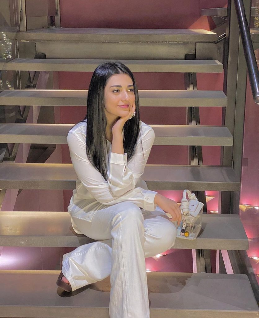 Sarah Khan To Work In A Web Series