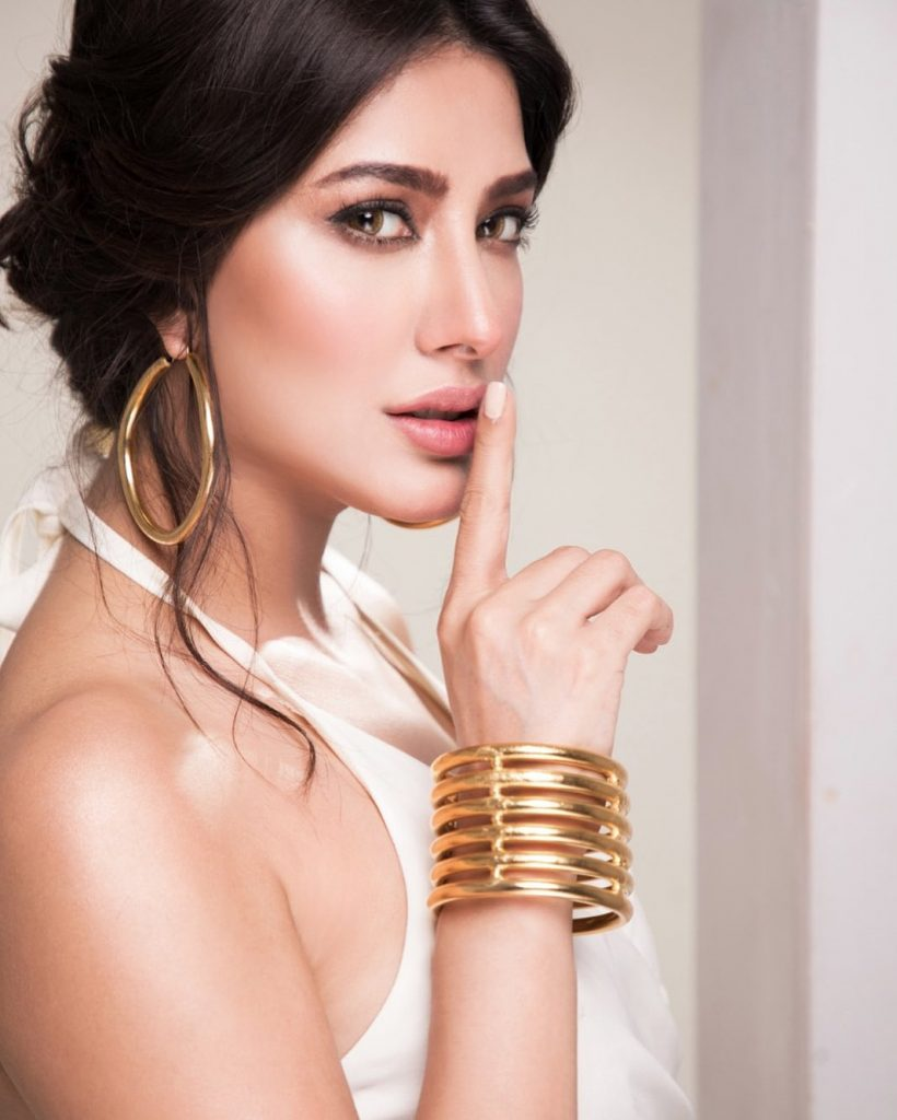 Mehwish Hayat Has Perfect Iraqi Doppelganger