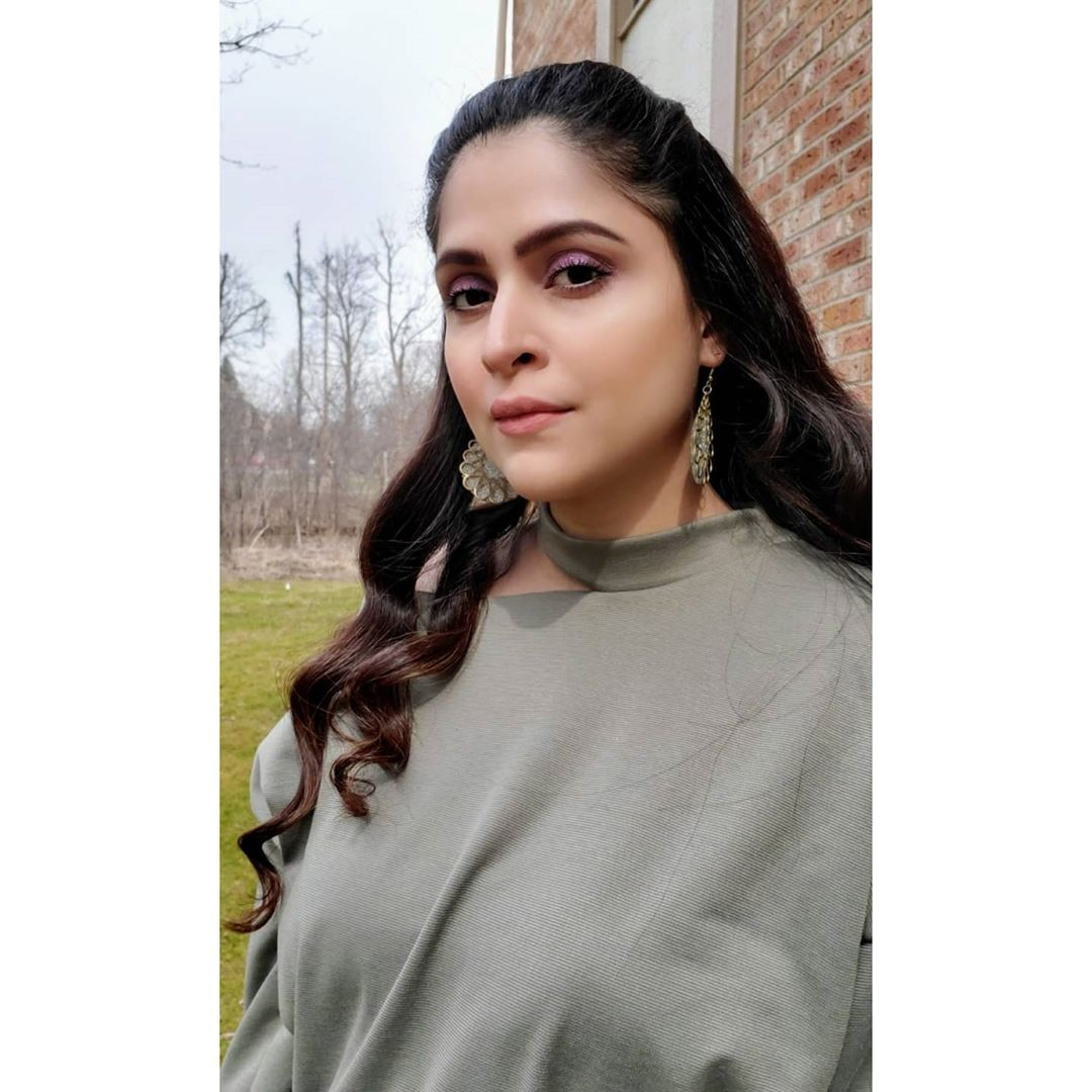 Pakistani Celebrities Pictures from Lock Down Day 15 7