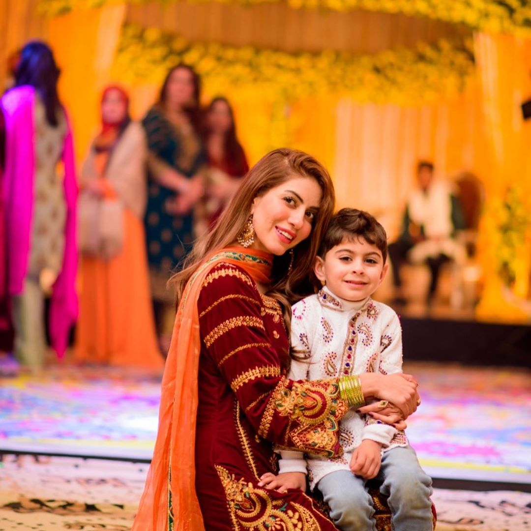 Actress Saba Faisal Shared Lovely Pictures with her Daughter Sadia