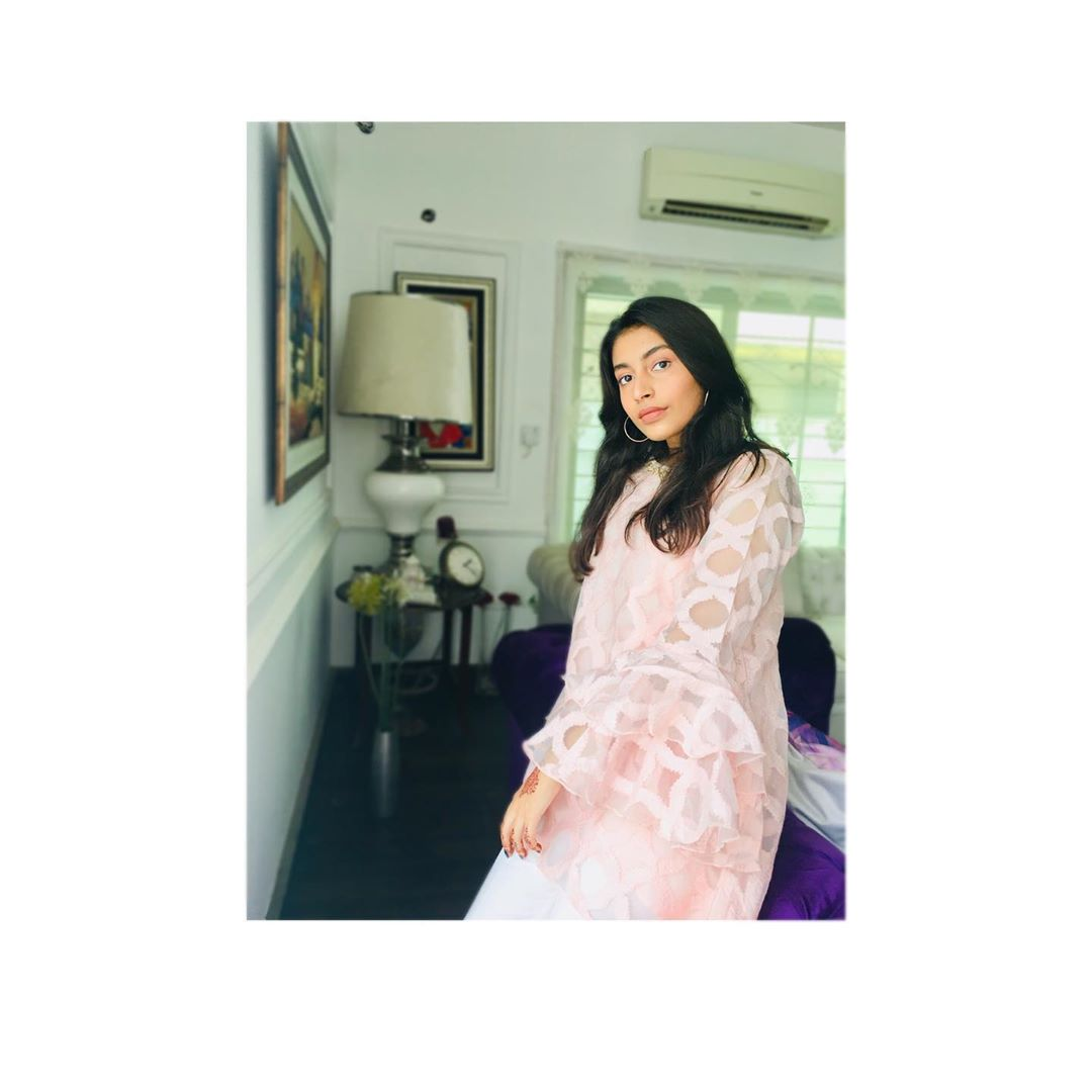 Nida and Yasir Nawaz Daughter Silah Yasir 20 Adorable Pictures