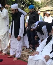 Feroze Khan Loses His Temper Over Maulana Tariq Jamil Issue